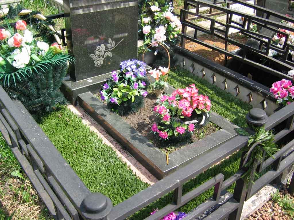 Цветник на кладбище своими руками 427